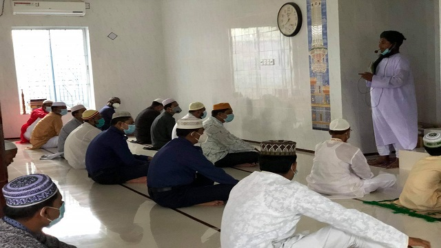 ধামইরহাটে মসজিদেই ঈদুল আজহার জামাত অনুষ্ঠিত