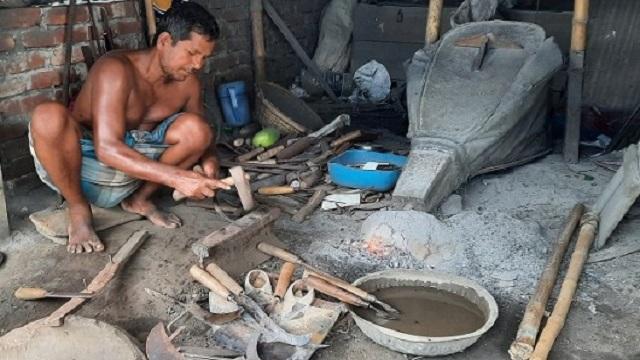 রাজশাহীর কামারপল্লীতে বেড়েছে ব্যস্ততা